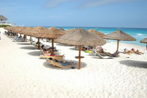 mexico-playa-resort.jpg